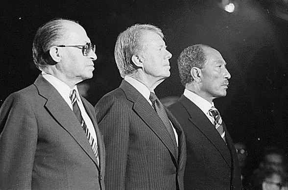 Menachem Begin, Jimmy Carter, and Anwar Sadat at Camp David (1978). By Fitz-Patrick, Bill, photographer [Public domain], via Wikimedia Commons